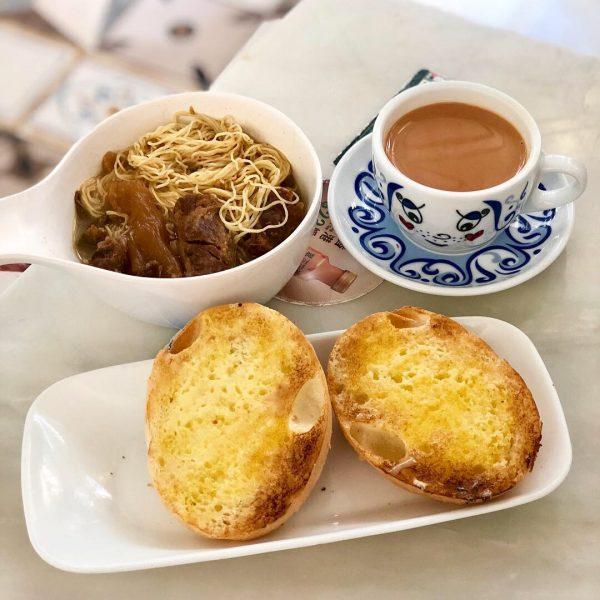 週末就出發!去香港沒吃會後悔的10大美食,燉奶、蛋撻每一家都是經典啊!