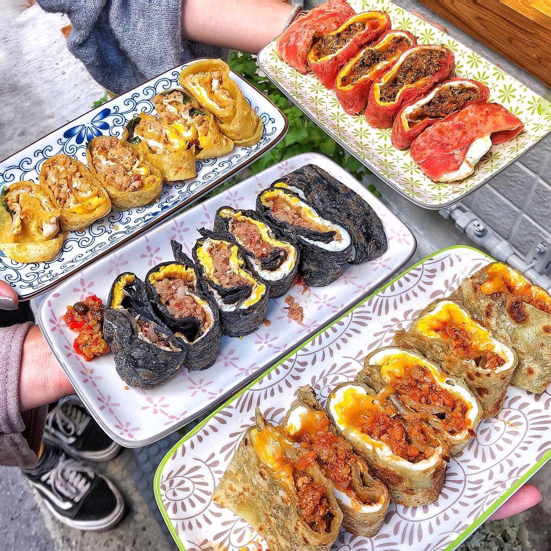 蛋餅系4ni?讓你選擇障礙發作的北中南蛋餅大集合!各種奇怪餡料、各種特殊顏色,新奇又特別!