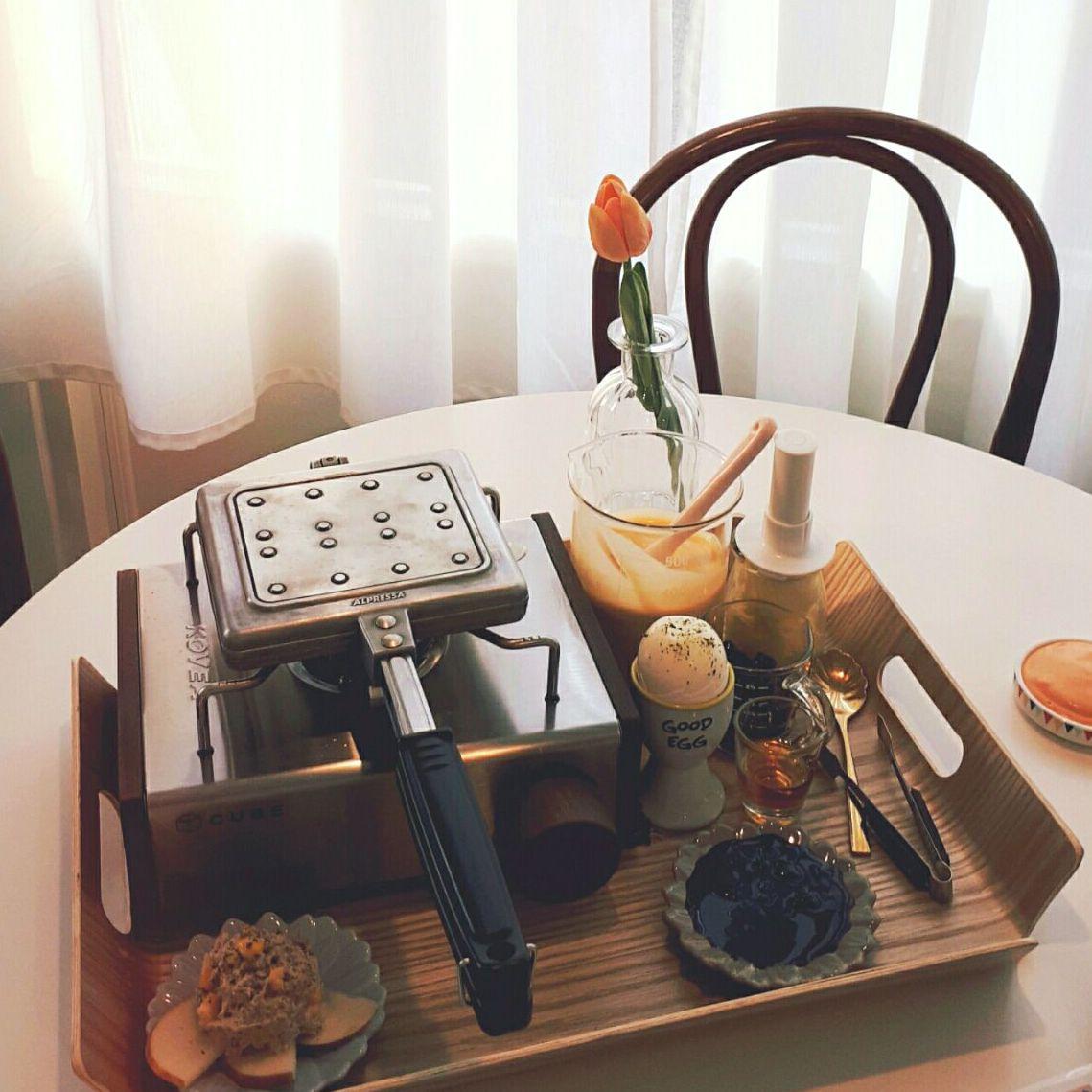 就是要邊吃邊玩!DIY披薩、鬆餅、果汁,品嚐美食外還可以玩桌遊?!窩在餐廳開心玩耍一下午吧!