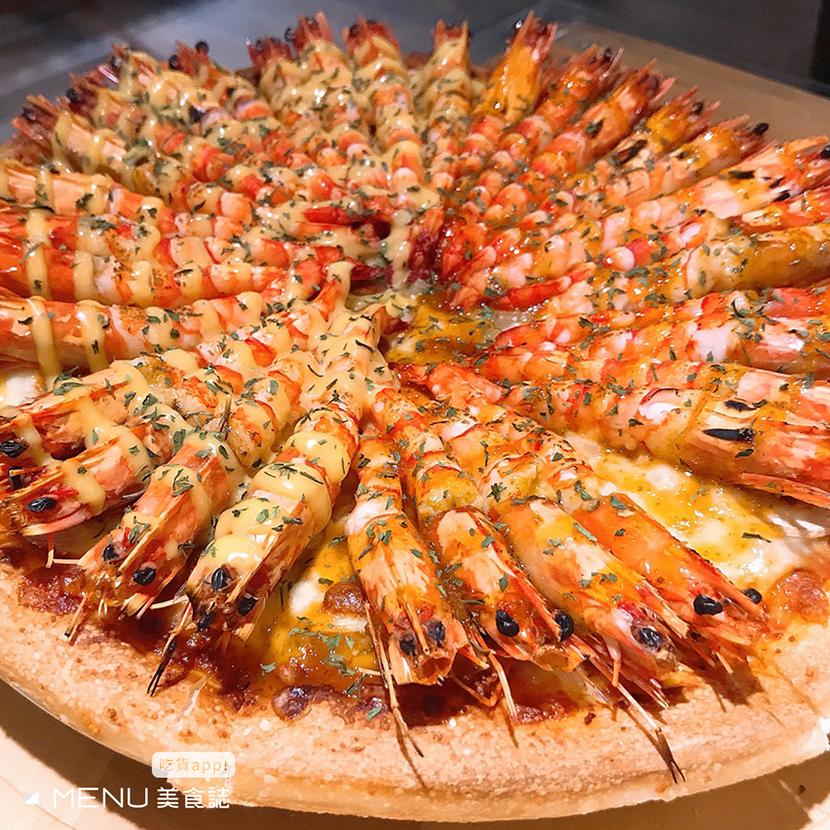 進擊的披薩突襲!全台浮誇披薩大盤點,J種配料你有看過嗎?!滿滿海鮮送給你,吃完今晚不用睡了!
