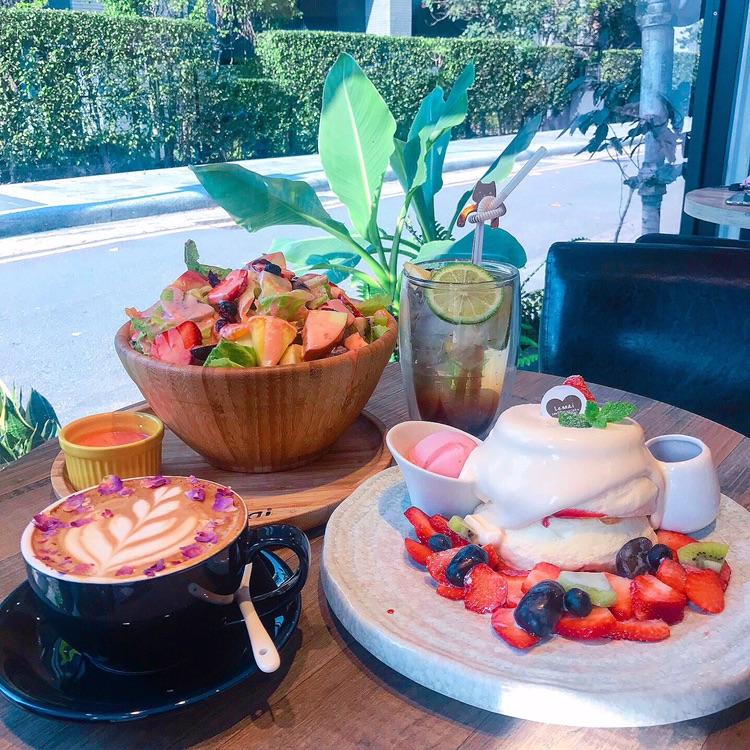 別只會吃台北,桃園美食一樣有!TOP10中必吃的這幾家冰品、甜點不輸人!