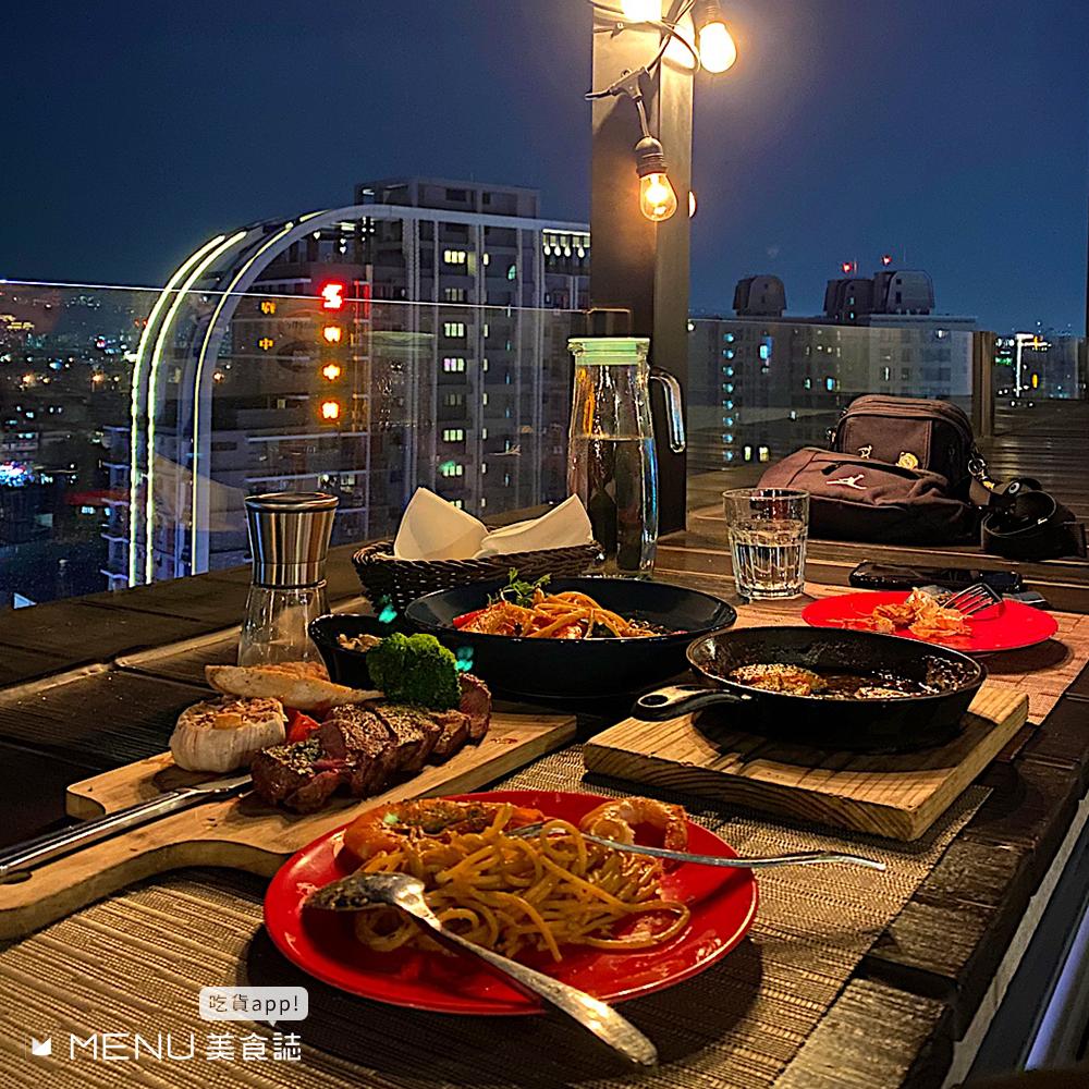 這間賭你沒吃過!台北戶外餐酒館特輯,半開放式空間欣賞月色,吃美食還能享受百萬美景?!