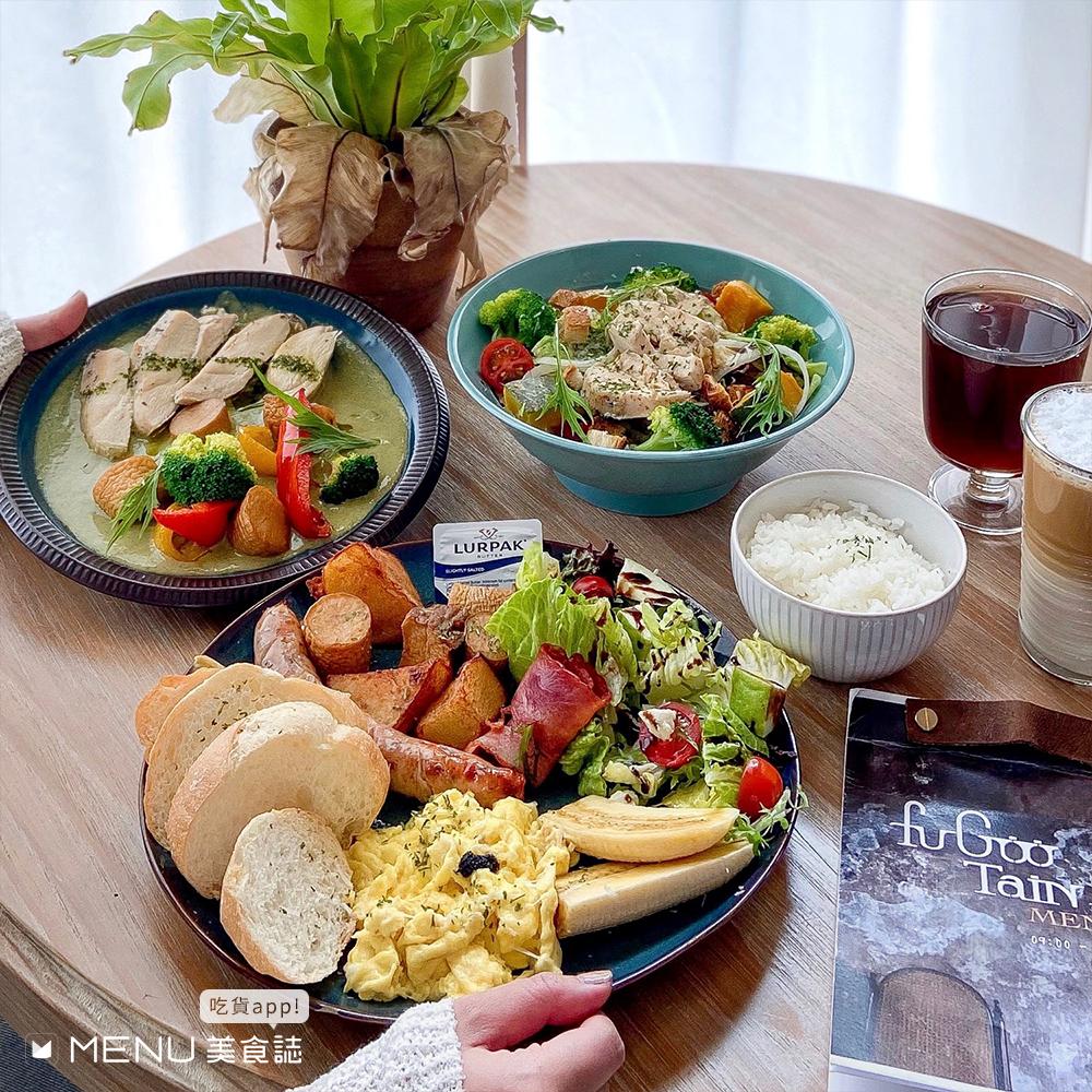 新竹新進榜TOP10,網美早午餐、平價乾麵、還可以在游泳池畔喝咖啡?!