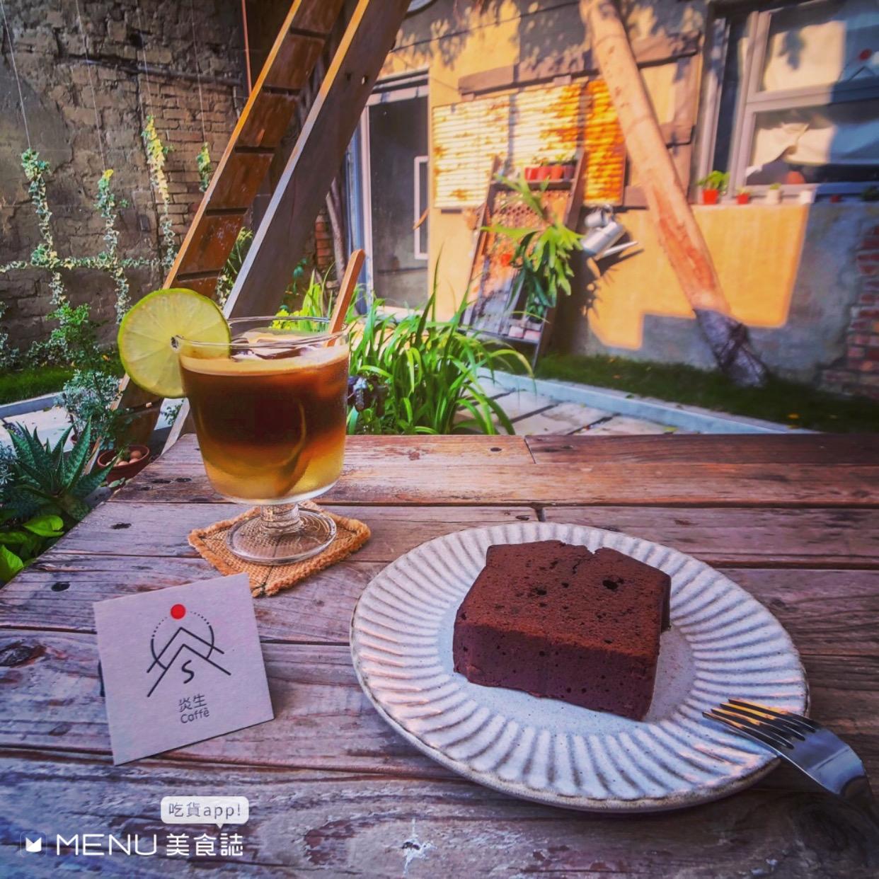 彰化不無聊!精選七間美食,超夯火鍋、廢墟咖啡廳、爆汁湯包,來個彰化一日遊吧!