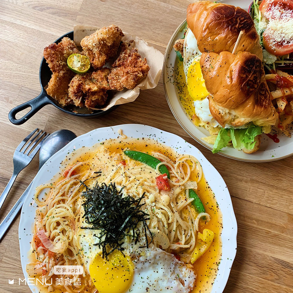 平價份量大,中壢美食cp值超高!浮誇海鮮丼飯、道地泰式簡餐,想吃?請先排隊!