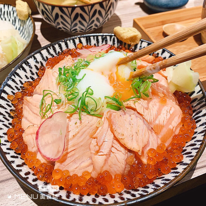 丼飯大PK!生食丼vs熟食丼,你是哪一派?精選 10 間超澎湃丼飯,每一碗都讓你飽到天靈蓋!