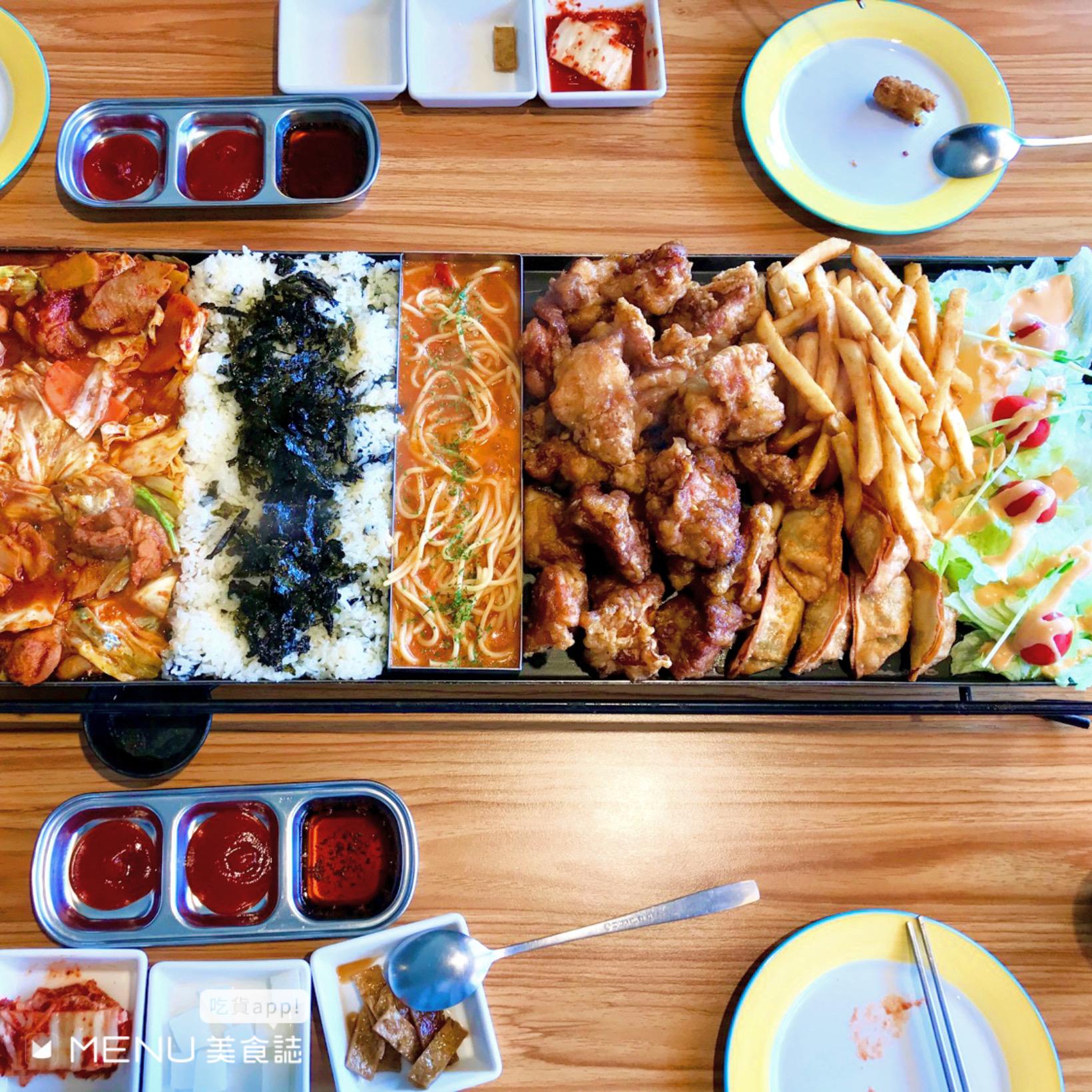 高雄巨蛋周邊美食臥虎藏龍!日式、港式、韓式料理,浮誇炙燒海鮮丼沒訂位吃不到!還有布丁蜜糖吐司下午茶!